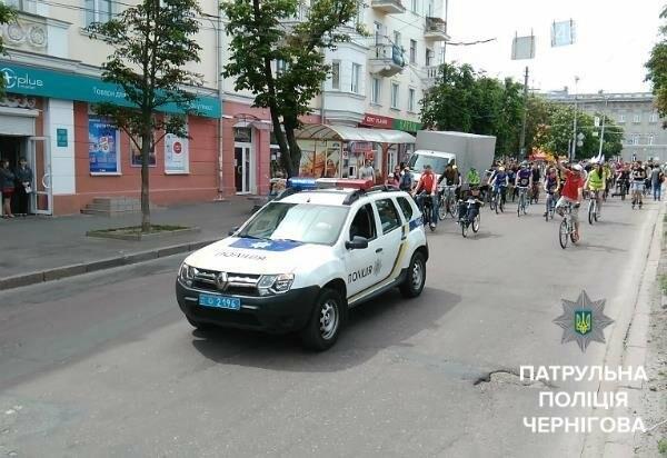 Черниговские патрульные сопровождали велоколону , фото-4