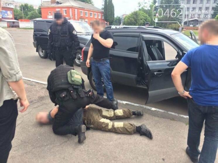 Бывший военнослужащий наладил бизнес по торговле оружием в Черниговской области, фото-1