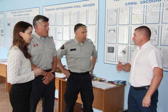 Полицейские из Канады учат черниговских коллег работать, фото-2
