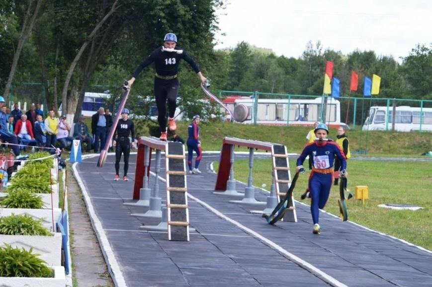 Под Черниговом проводится чемпионат по пожарно-прикладному искусству, фото-9