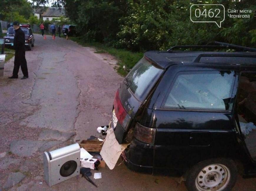 Под Черниговом произошло ДТП с участием несовершеннолетних. Два человека погибли, три госпитализированы, фото-2