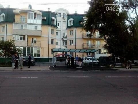 Черниговку, угнавшую тележку из магазина, ловили два патрульных экипажа, фото-2