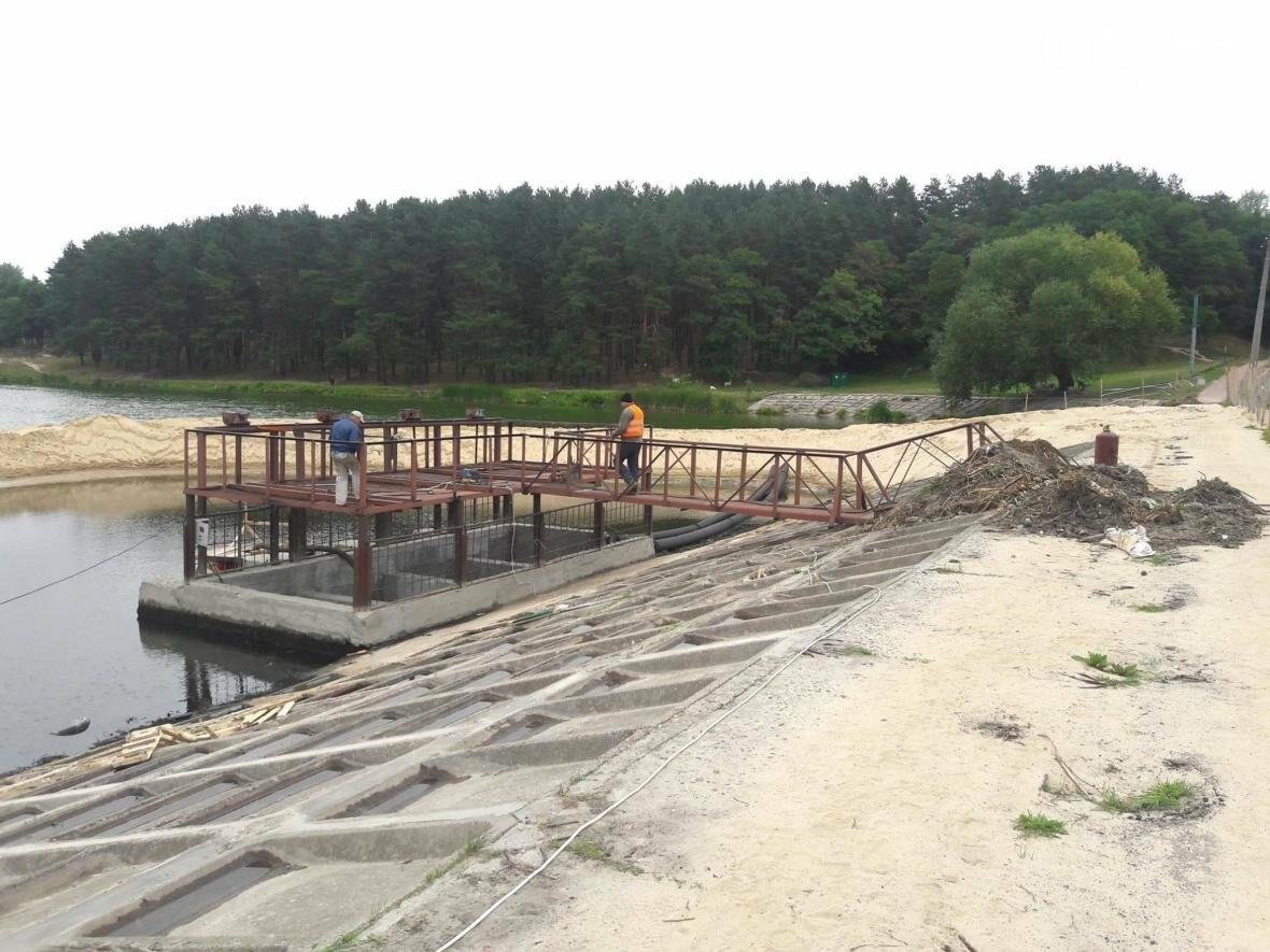 На Стрижне спустили воду и начинают разбирать дамбу, фото-9