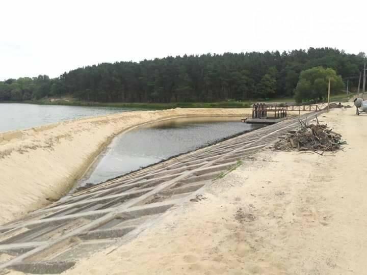 На Стрижне спустили воду и начинают разбирать дамбу, фото-3