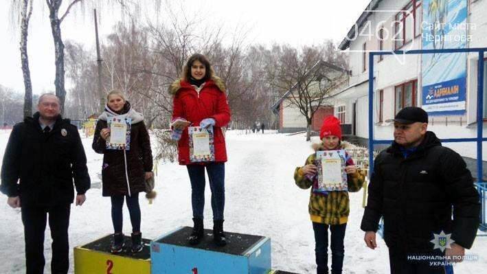"""Черниговская полиция поставила """"сложных"""" детей на лыжи, фото-2"""