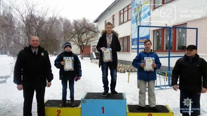 """Черниговская полиция поставила """"сложных"""" детей на лыжи, фото-3"""