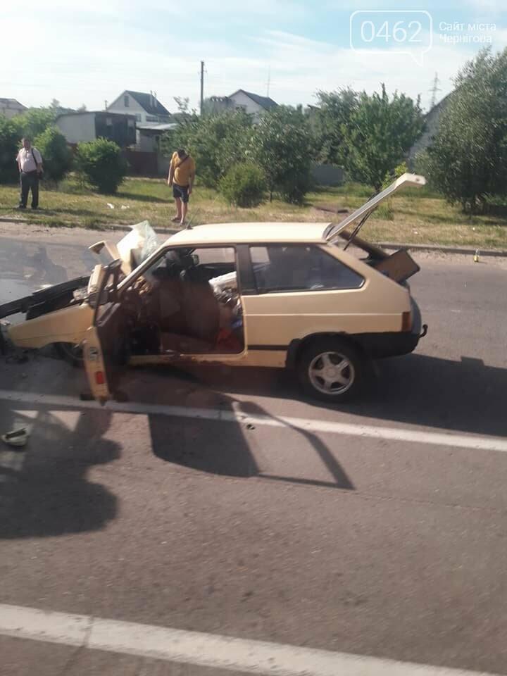 На выезде из Чернигова произошла ДТП с участием трактора. Ранены трое детей, фото-3