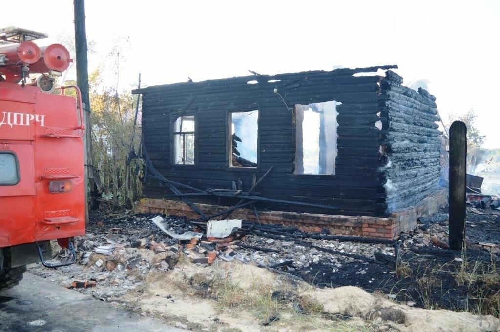 Масштабный пожар в Черниговской области: сгорело 4 дома и 9 сараев, фото-3