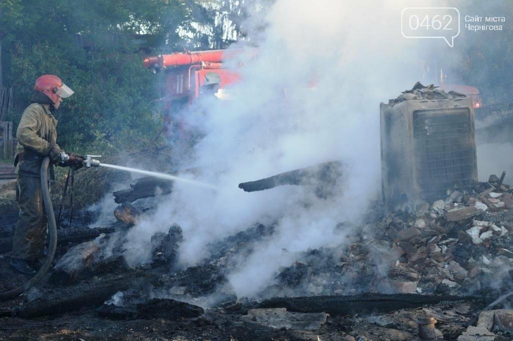 Масштабный пожар в Черниговской области: сгорело 4 дома и 9 сараев, фото-1