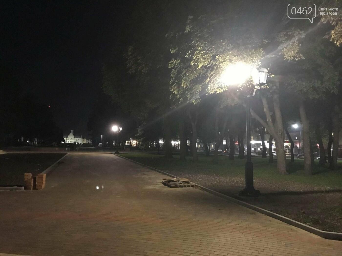 """Ввечері на """"Алеї Героїв"""" перевіряли нові ліхтарі, фото-3"""