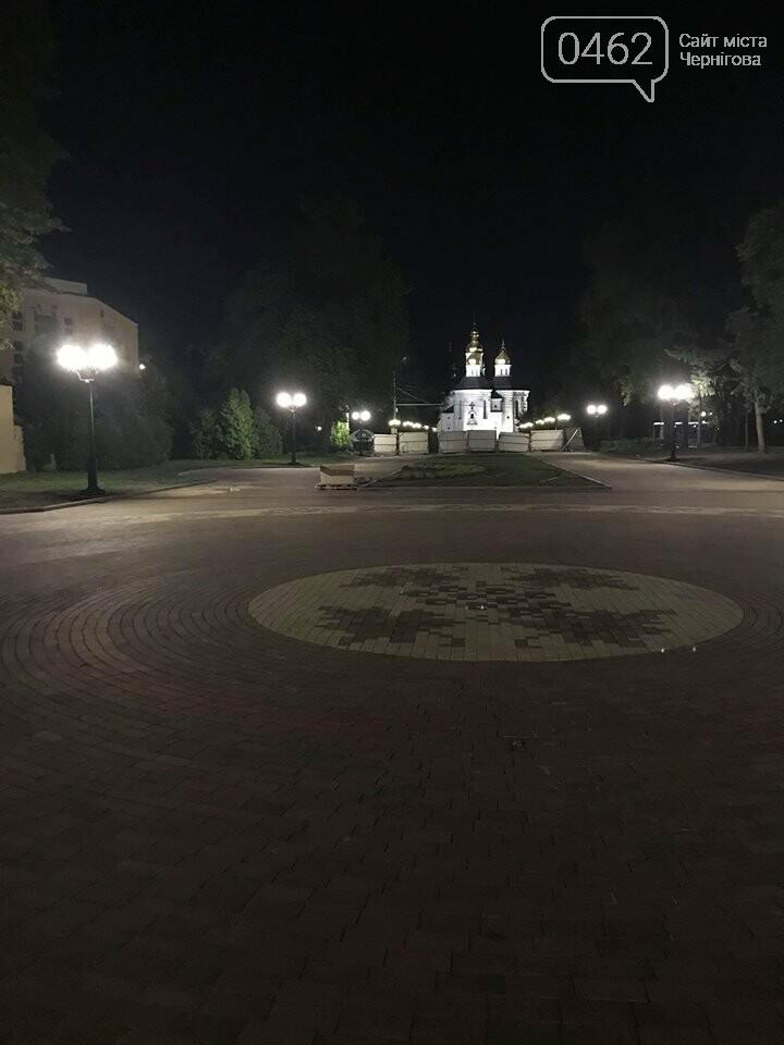 """Ввечері на """"Алеї Героїв"""" перевіряли нові ліхтарі, фото-1"""