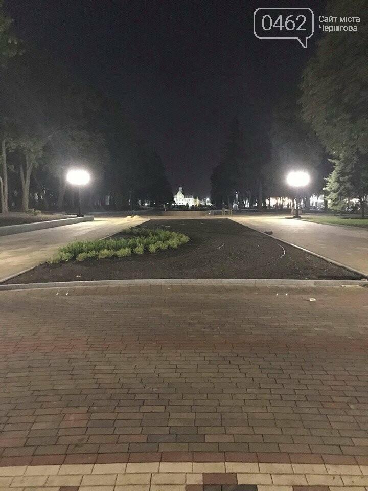 """Ввечері на """"Алеї Героїв"""" перевіряли нові ліхтарі, фото-2"""