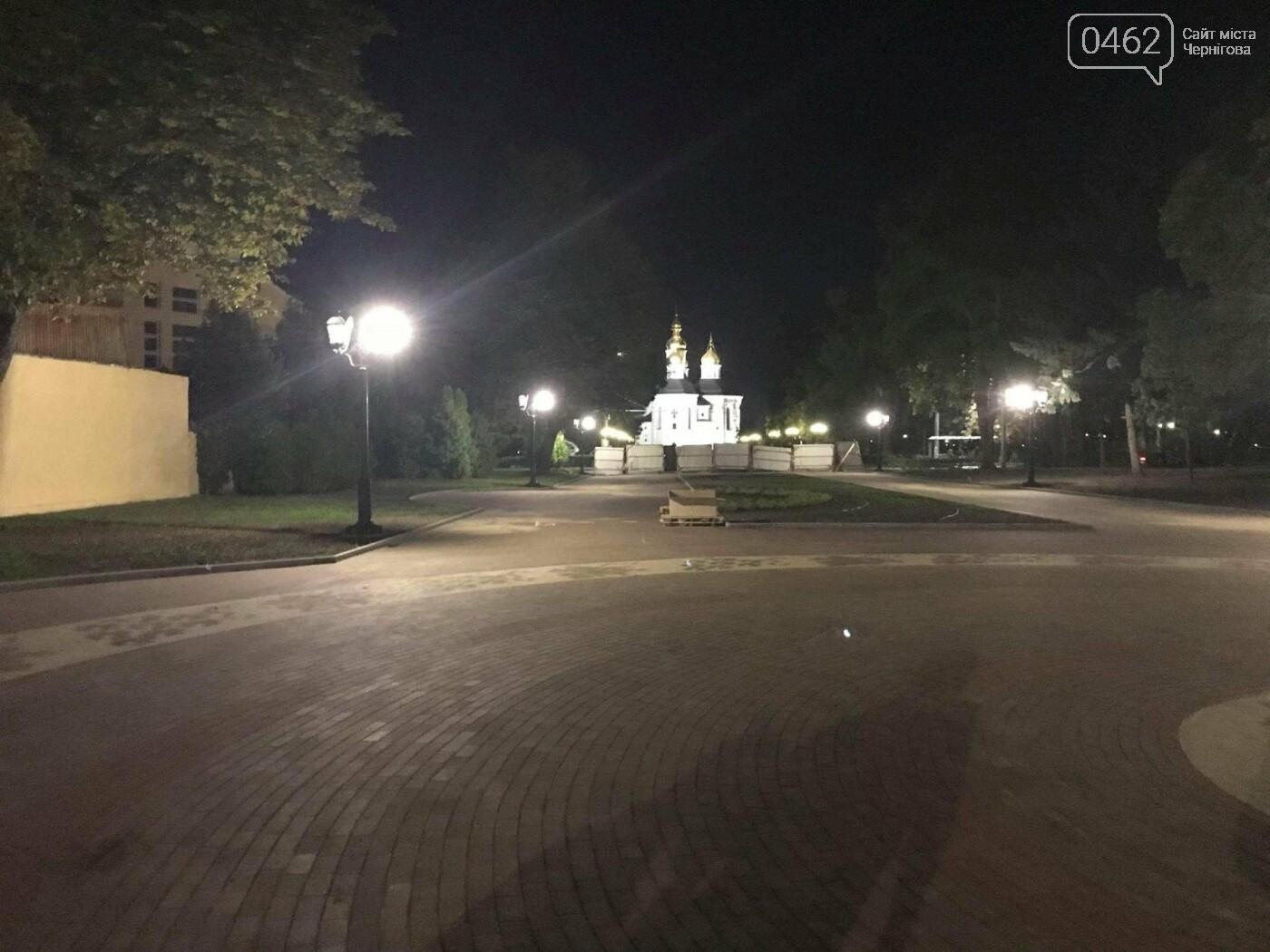 """Ввечері на """"Алеї Героїв"""" перевіряли нові ліхтарі, фото-4"""