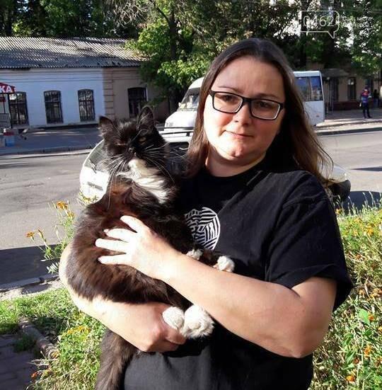 """Керівник ГО """"Щаслива доля"""" і кішка Люся"""