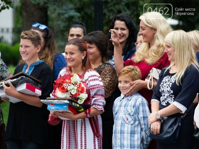 Президент нагородив юну рятувальницю з Чернігова, фото-2