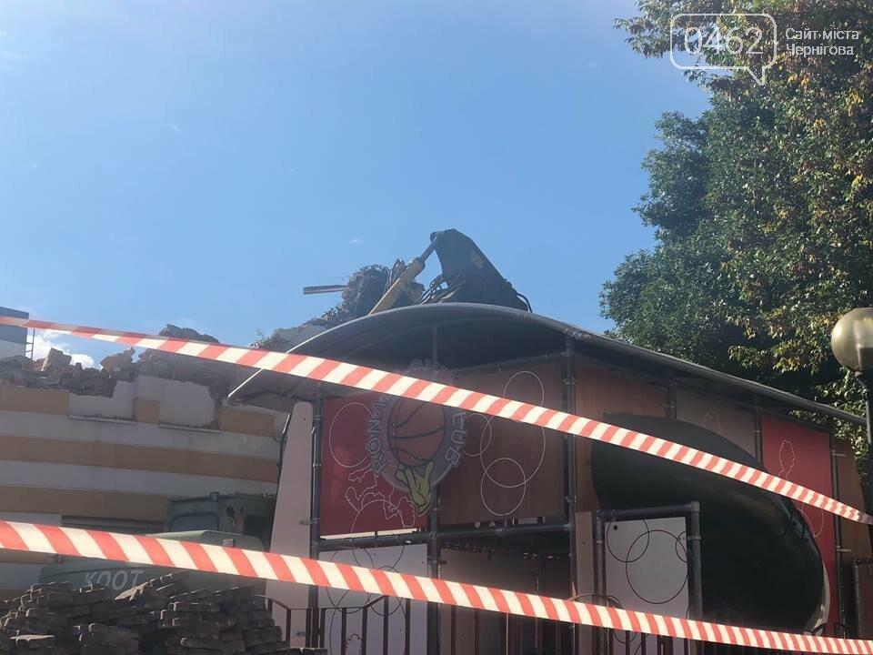 Розпочалась реконструкція будівлі МакДональдзу (ФОТО;ВІДЕО), фото-2