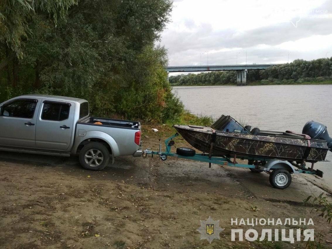 Возле Чернигова на Десне поймали двух браконьеров с электроудочкой, фото-2