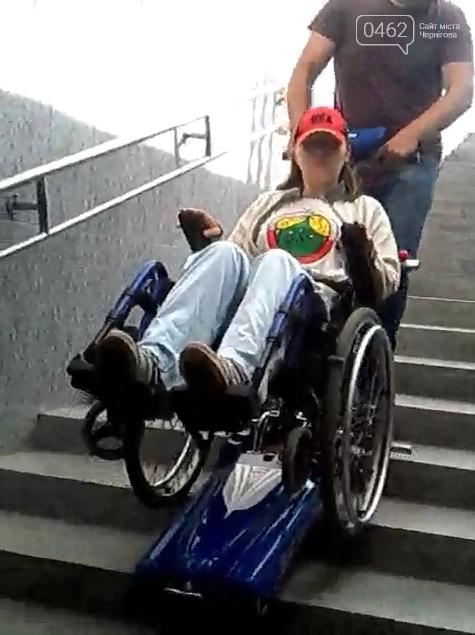"""У підземному переході біля готелю """"Україна"""" тепер є спеціальний підйомник, фото-3"""