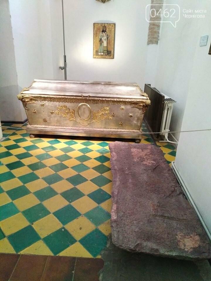 Шиферна плита ХІІ століття з Красної площі тепер експонується в Борисоглібському соборі, фото-1