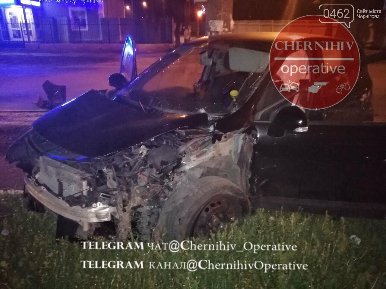 У Чернігові патрульний позашляховик потрапив у ДТП, фото-4