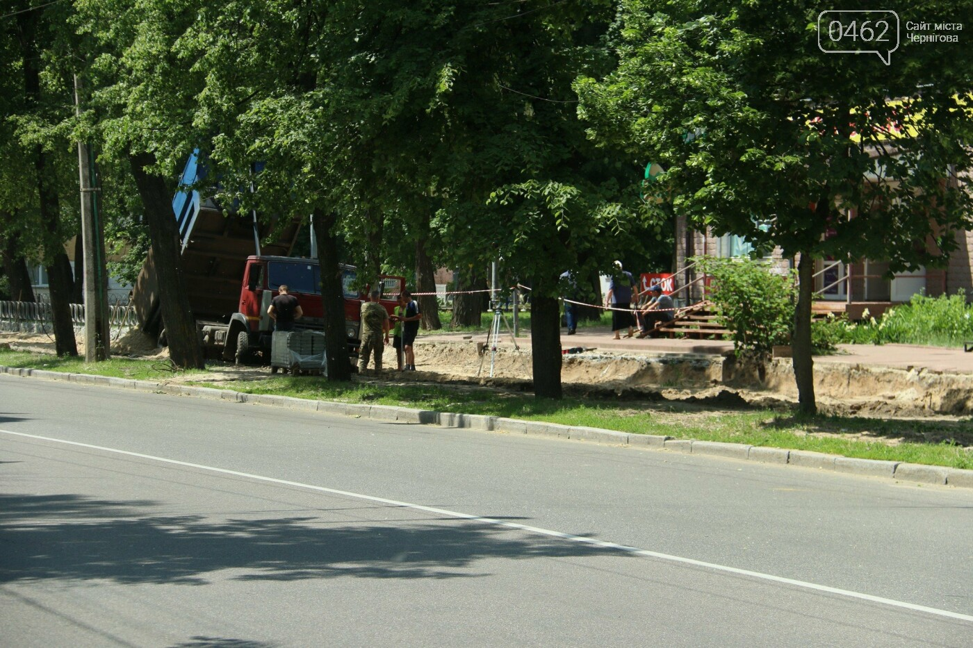 У Чернігові розпочався ремонт тротуарів на вулиці Шевченка, фото-11