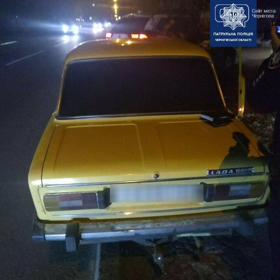 Чернігівськими вулицями їздила автівка у розшуку, її зупинили патрульні (ОНОВЛЕНО), фото-1