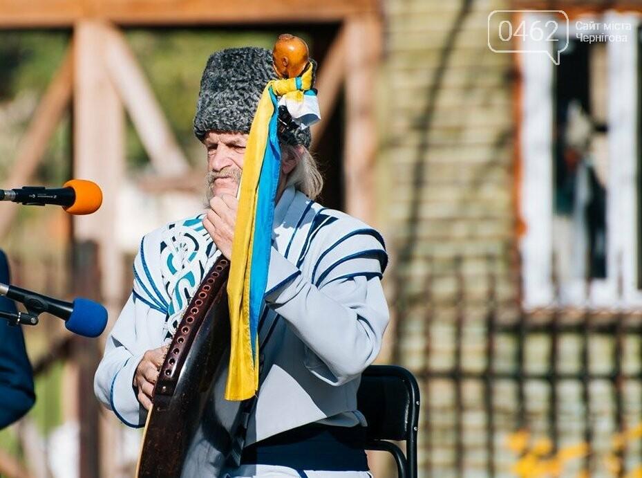 На Чернігвщині відкрили одразу кілька монументів воїнам-захисникам України, фото-4