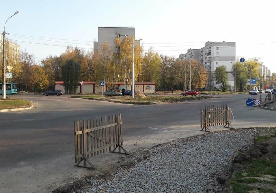 В Чернігові біля пологового будинку розширюють дорогу, фото-1
