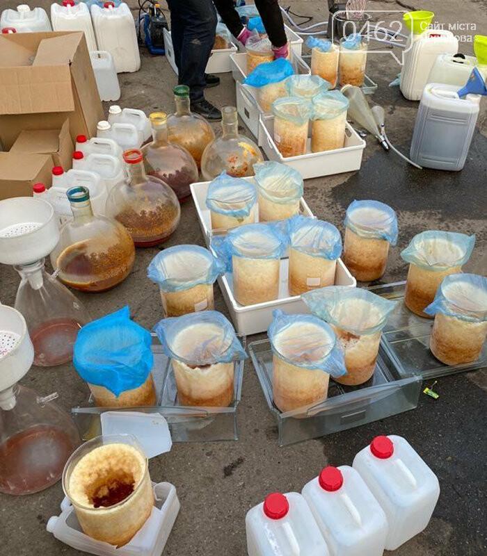 """Успішна спецоперація: у Чернігові викрили нарколабораторію з """"товаром"""" на 110 млн грн, фото-5"""