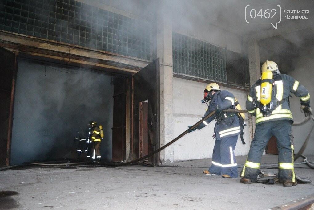 У Чернігові сьогодні горіли склади на Масанах, фото-10