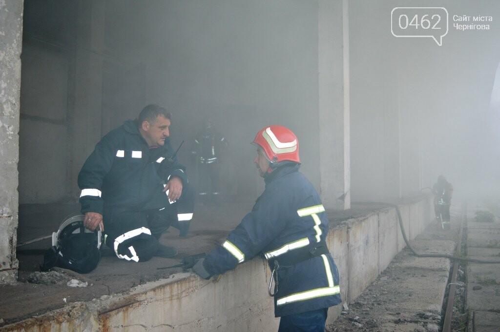 У Чернігові сьогодні горіли склади на Масанах, фото-13