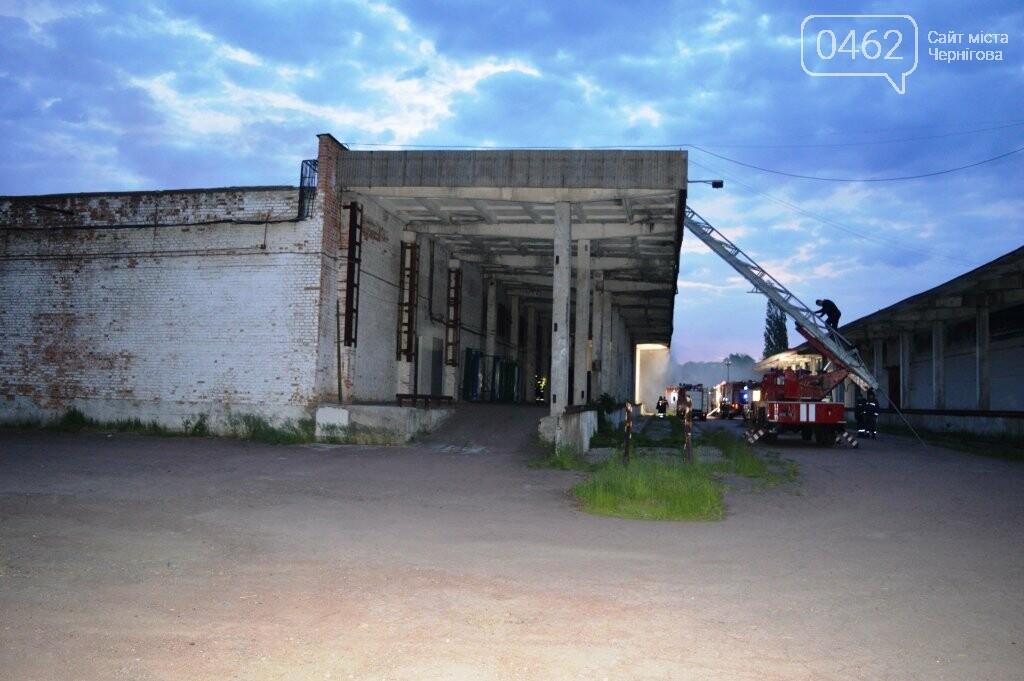 У Чернігові сьогодні горіли склади на Масанах, фото-2