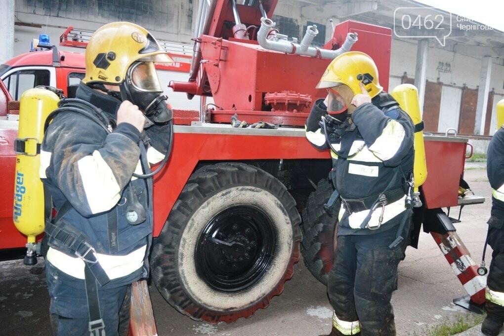 У Чернігові сьогодні горіли склади на Масанах, фото-7