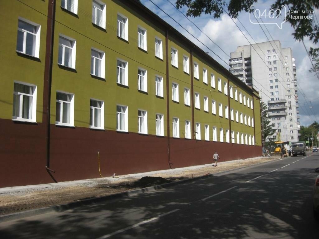 Замість спиляних у центрі Чернігова лип мер пообіцяв висадити 5-річні дерева, фото-3
