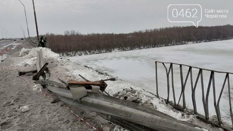 Фура впала у Десну поблизу Чернігова, фото-3
