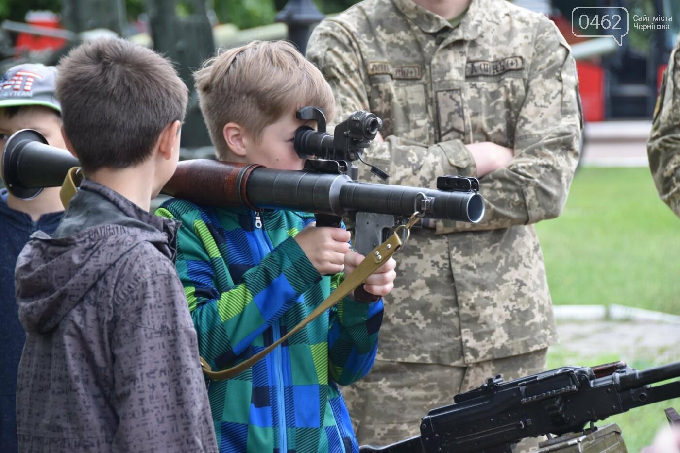 Як стати танкістом. Чернігівським дітям військові показали свою роботу і побут, фото-8