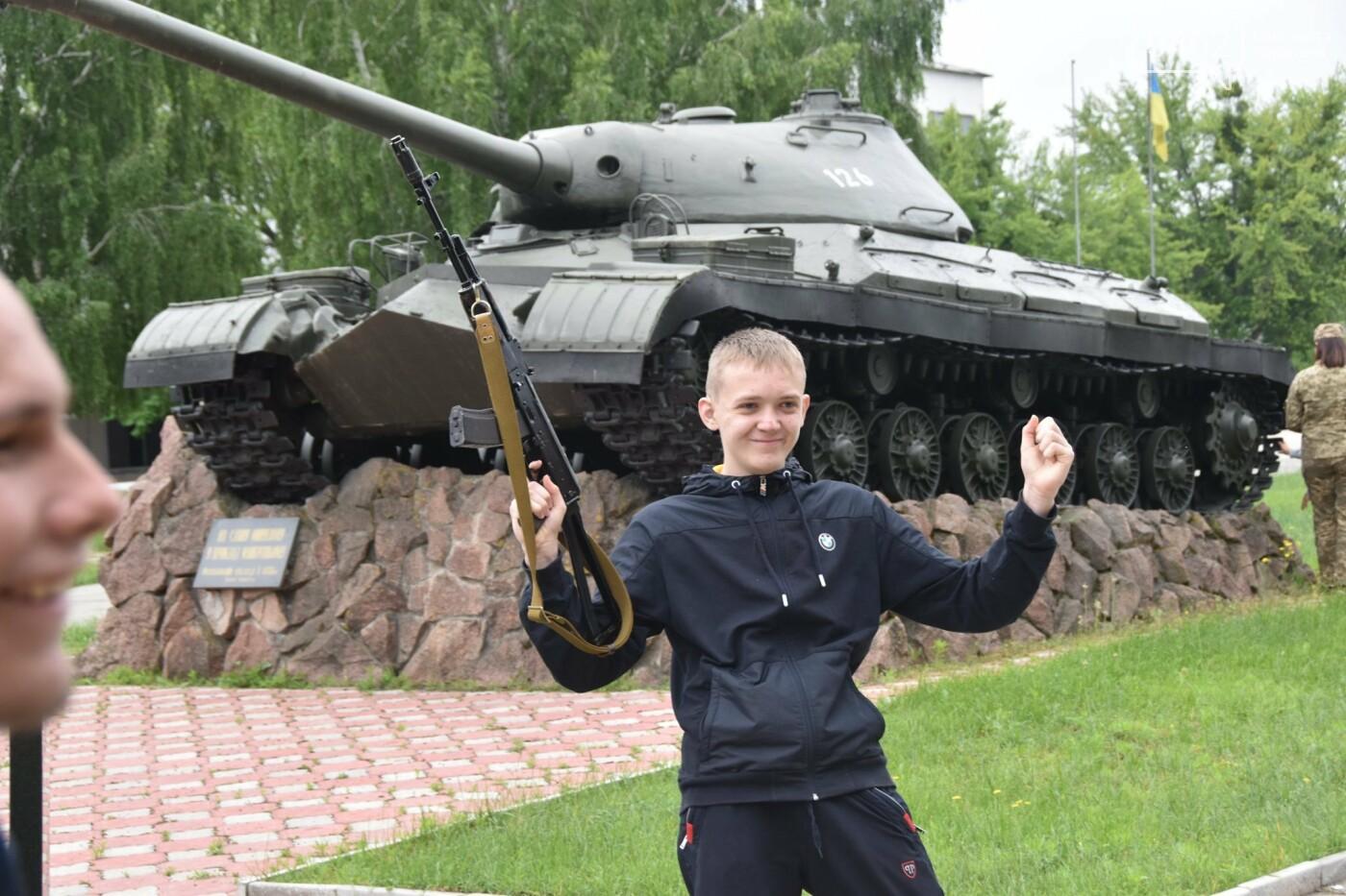 Як стати танкістом. Чернігівським дітям військові показали свою роботу і побут, фото-7
