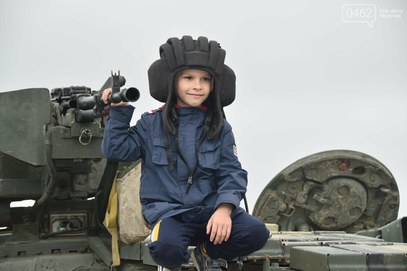 Як стати танкістом. Чернігівським дітям військові показали свою роботу і побут, фото-4