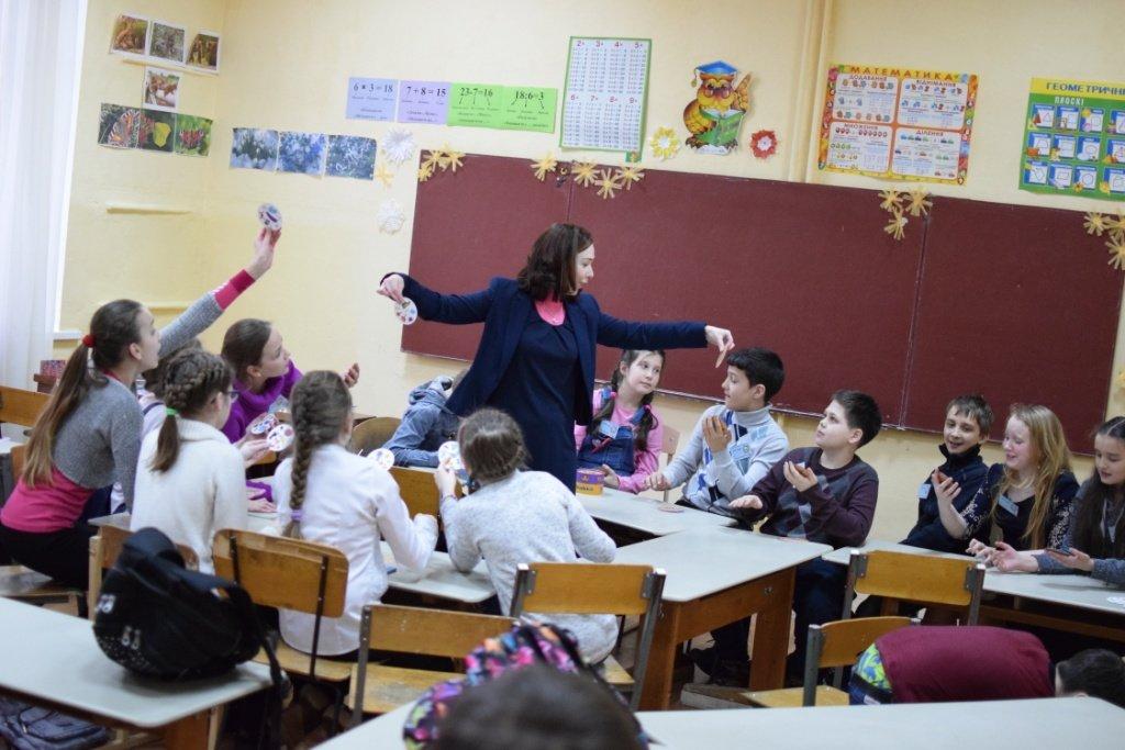 Студія «РозУмка» вшосте влаштувала для чернігівських школярів Олімпіаду з англійської мови, фото-5