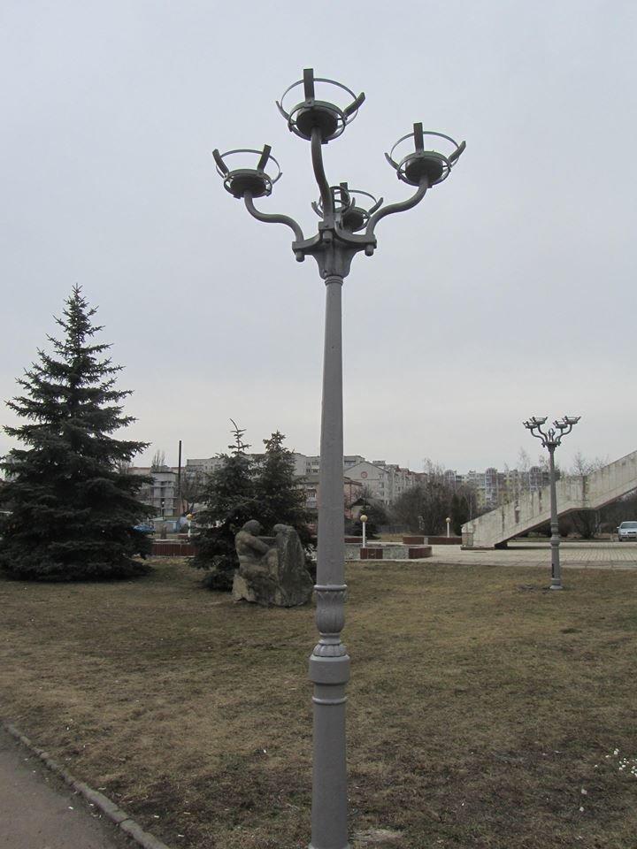 Возле ЗАГСа обновили наружное освещение., фото-1