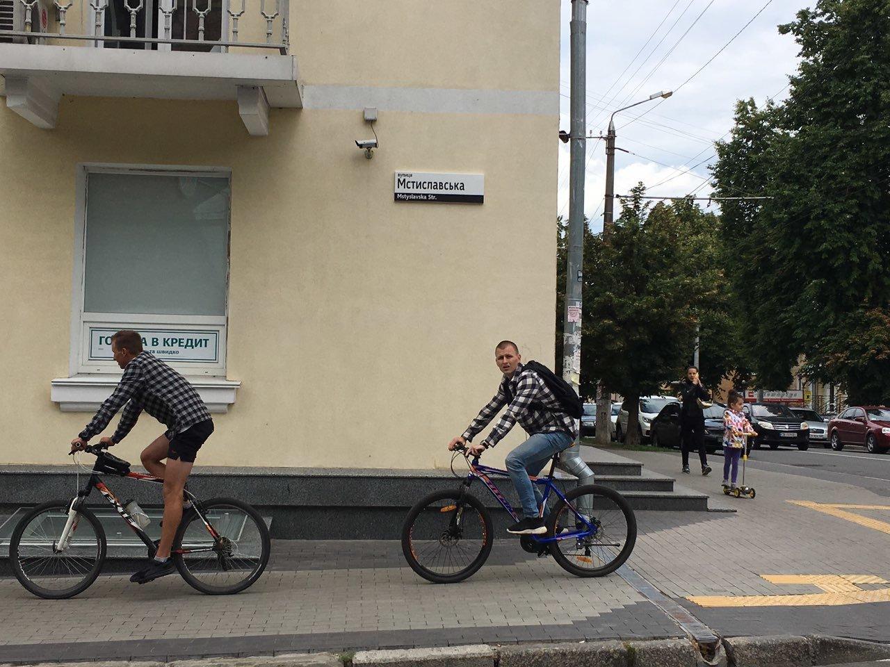 У Чернігові змонтували 350 нових будинкових вказівників, фото-4