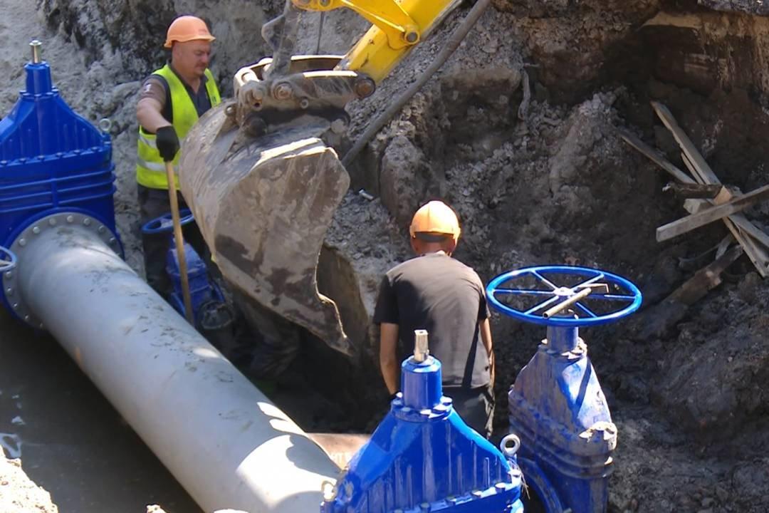Ремонт триває: на Героїв Чорнобиля вже замінили більше кілометра водопроводу, фото-3