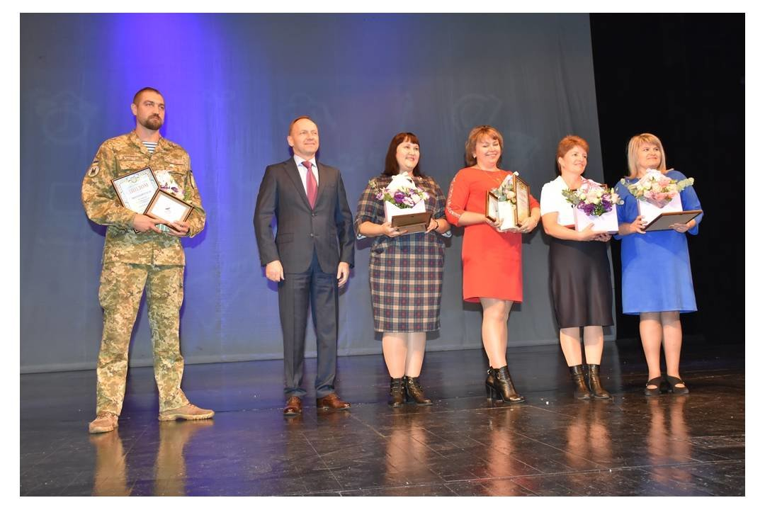 Учитель года-2019: в Чернигове наградили 5 школьных преподавателей, фото-1