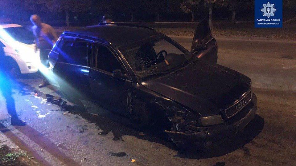 Сбегая от полиции потерял колесо: в Чернигове очередное ДТП, фото-2