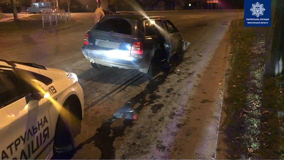 Сбегая от полиции потерял колесо: в Чернигове очередное ДТП, фото-3