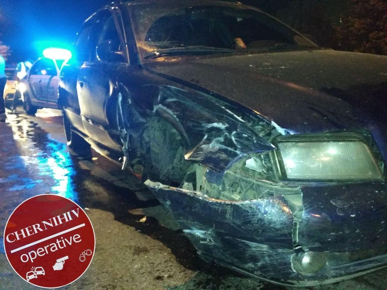 Сбегая от полиции потерял колесо: в Чернигове очередное ДТП, фото-6