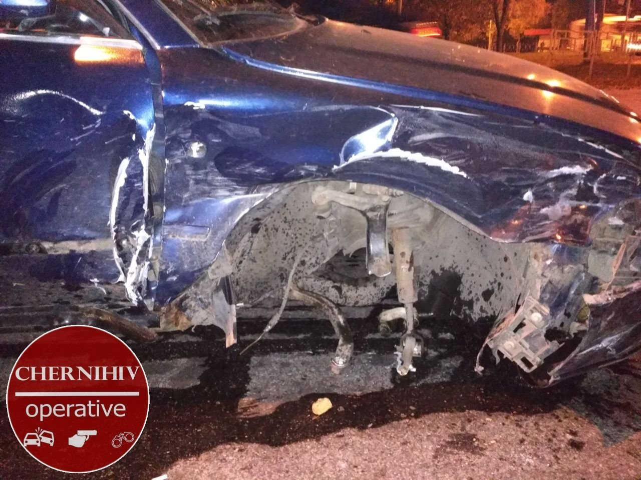 Сбегая от полиции потерял колесо: в Чернигове очередное ДТП, фото-7