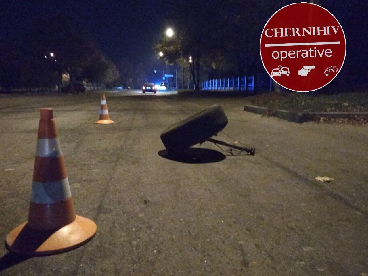 Сбегая от полиции потерял колесо: в Чернигове очередное ДТП, фото-11
