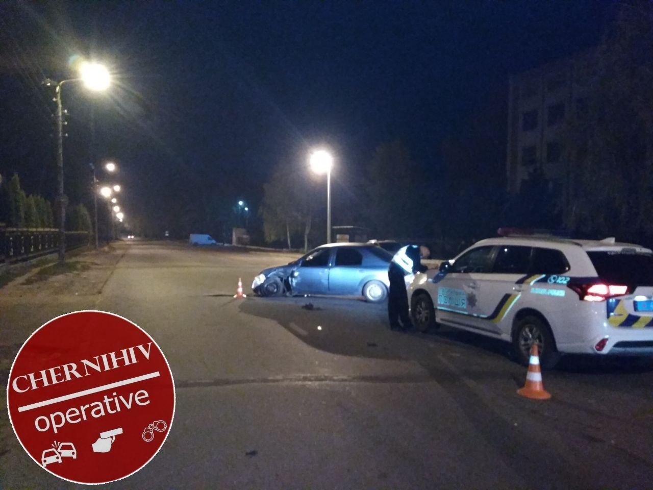 Сбегая от полиции потерял колесо: в Чернигове очередное ДТП, фото-13