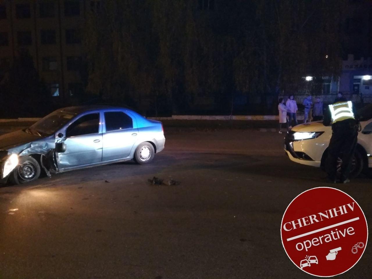 Сбегая от полиции потерял колесо: в Чернигове очередное ДТП, фото-15
